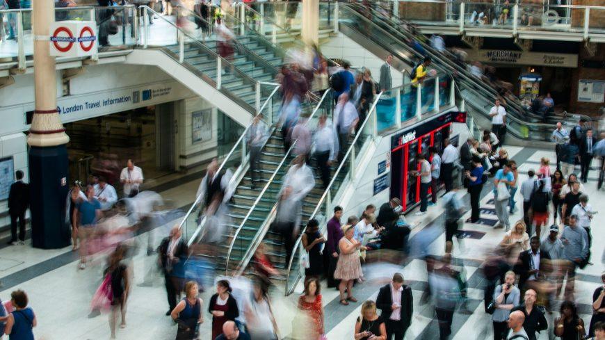 _0002_city-people-walking-blur